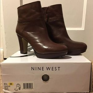 EUC brown leather boots